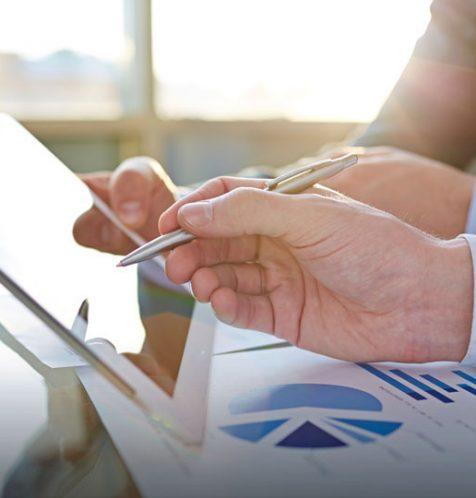 Photo 1 Expert & Finance